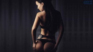 Marie-pascale adult dating in Golden Gate FL